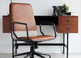 テレワークで一番重要視すべき椅子 定番から個性派チェアまで24選